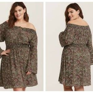 Torrid Paisley Floral Off Shoulder Dress NWT